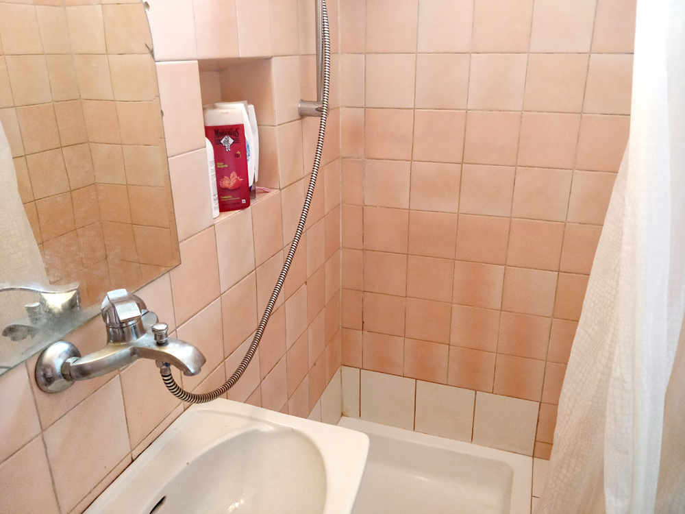 У меня на чердаке своя отдельная ванная комната