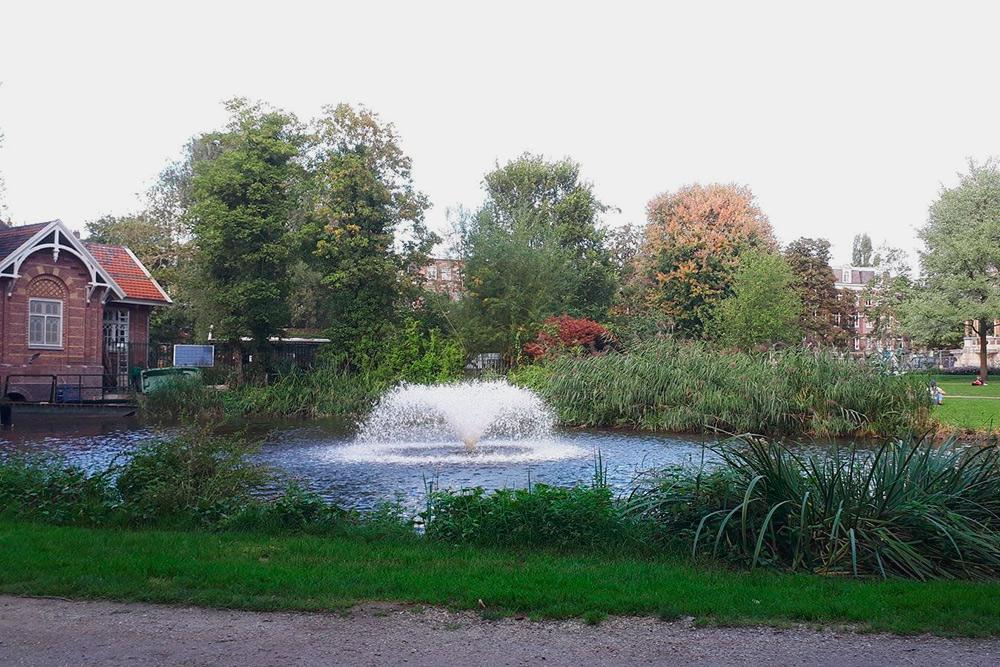 Парк в районе Де-Пейп (De Pijp)