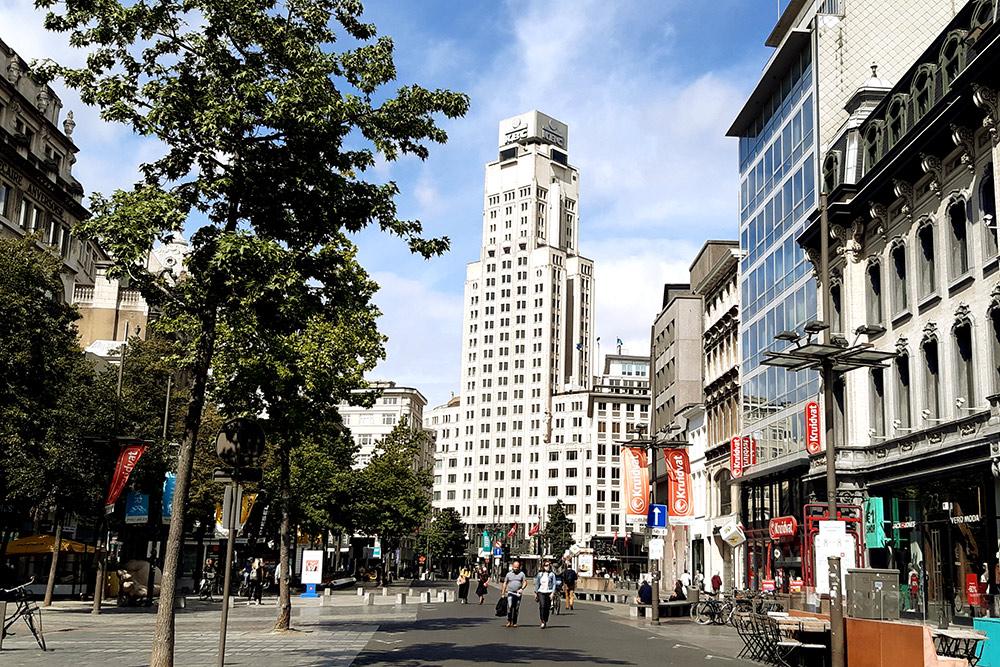 Так выглядит главный офис банка KBC в Антверпене