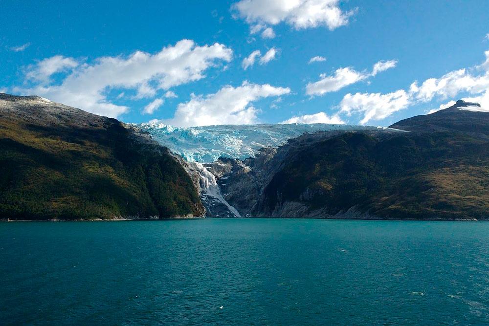 Так выглядит водопад вентискуэро, берущий начало из ледника. В движении он выглядит завораживающе