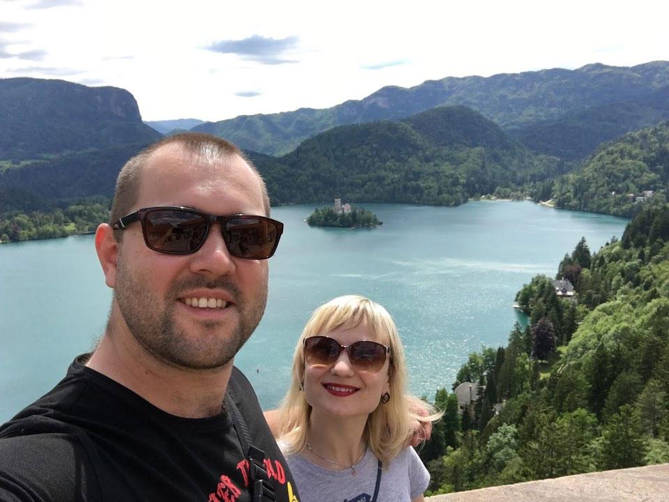 Я с мужем Ярославом на озере Блед в Словении