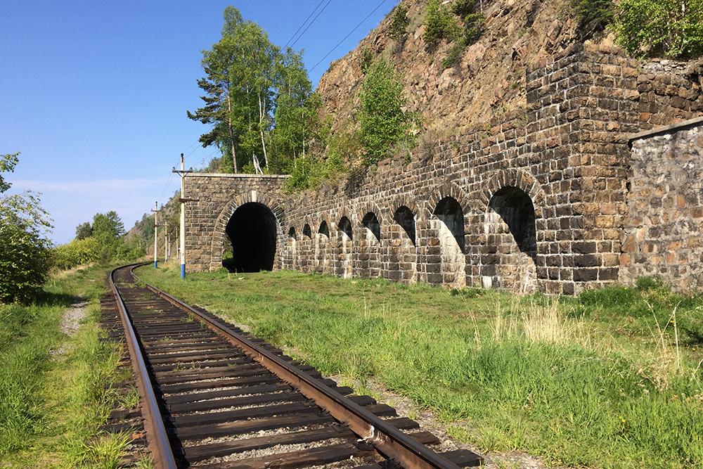 Возле итальянской стены экскурсионный поезд не останавливается, поэтому там всегда тихо и спокойно