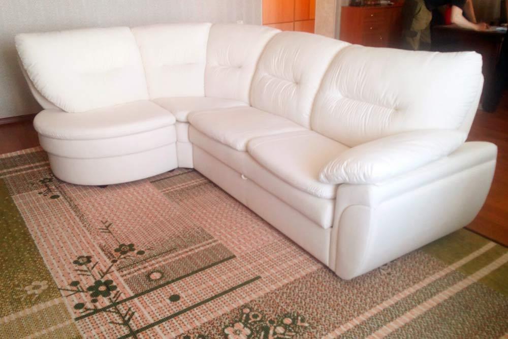 Крупные заказы — это перетяжка диванов, которая стоит около 25 000—30 000<span class=ruble>Р</span>. За апрель было три таких заказа, остальное — мелочи до 5000<span class=ruble>Р</span>: стулья, подлокотники, ремонт спинки в кухонном уголке