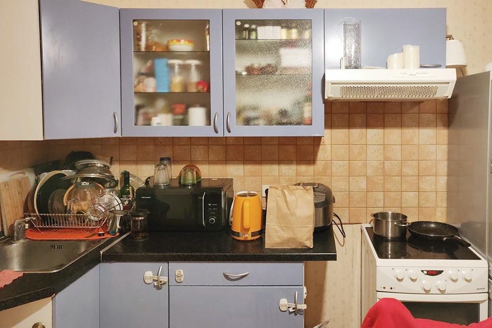 Такая икеевская кухня была унас раньше. Ее давным-давно покупали наши родственники, документы несохранились