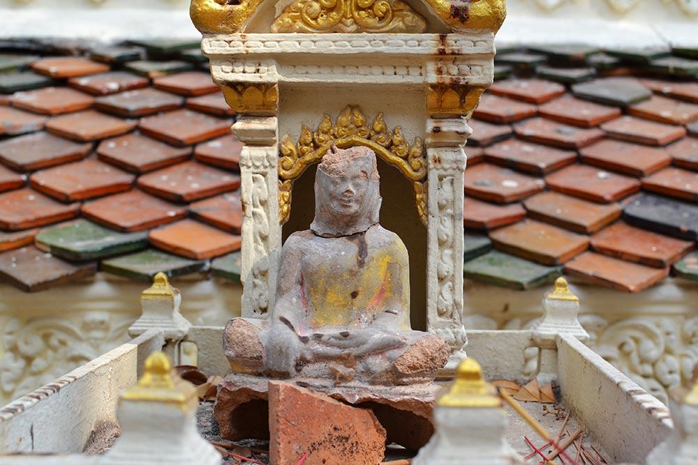 Камбоджа — очень религиозная страна. Граждане Камбоджи свободно исповедуют любую религию