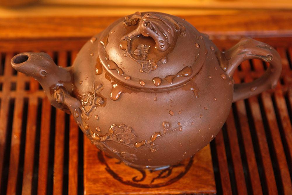 Это мой чайник длякомпании из 4—5 человек. Мне его подарили несколько лет назад, сейчас аналогичные стоят около 4тысяч рублей