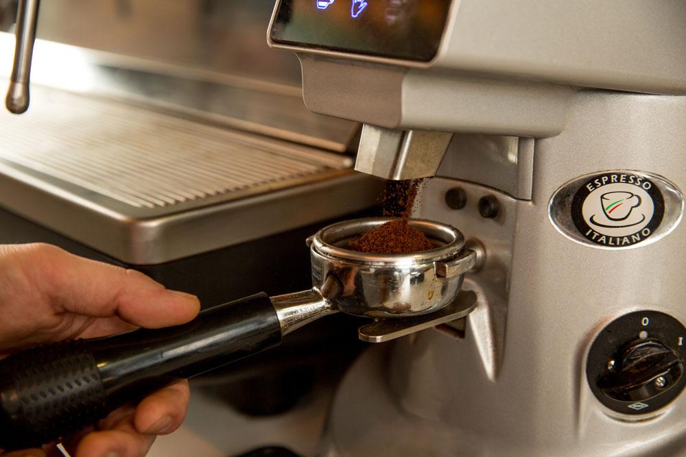 За аренду кофемашины в месяц платят 13 000 р.