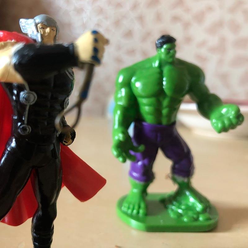 Тор и Халк. Я обычно за Тора
