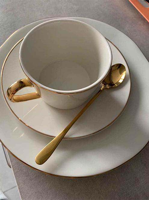 Чашку и шкатулку купила в H&M Home