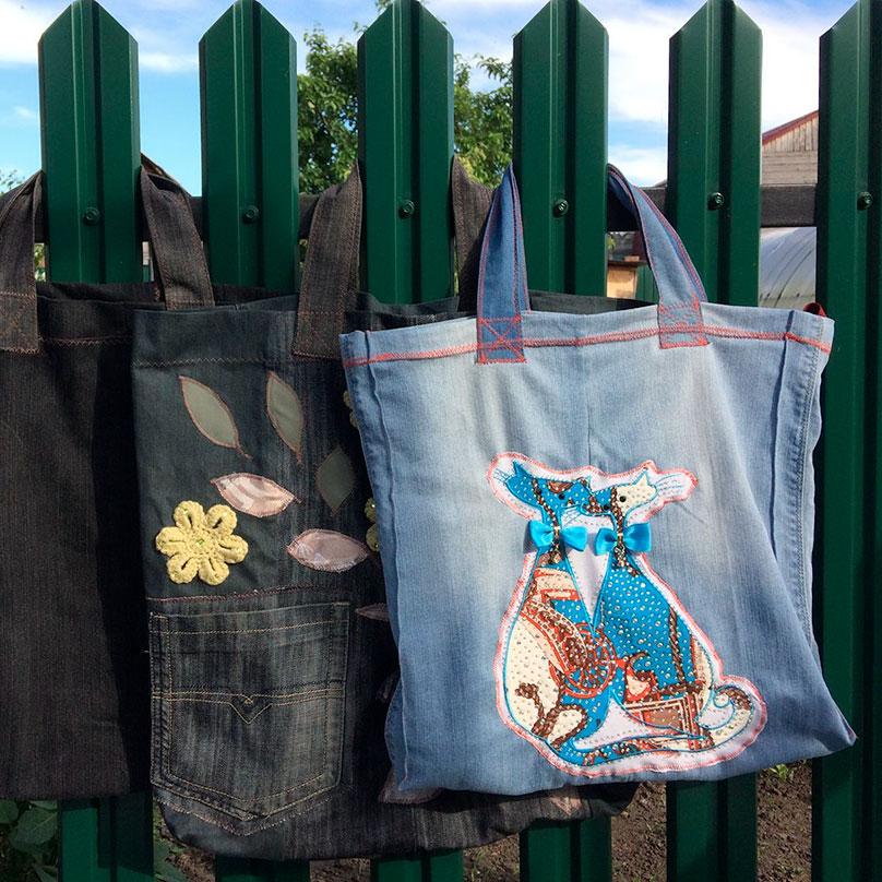 Мои продуктовые сумки. В сумке из голубых джинсов с котиками ношу форму для тренировок