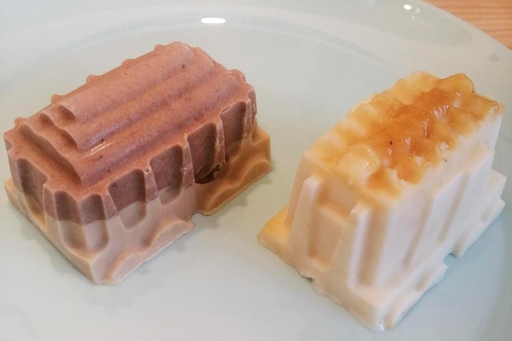 Кофейно-шоколадное мороженое и с карамелью