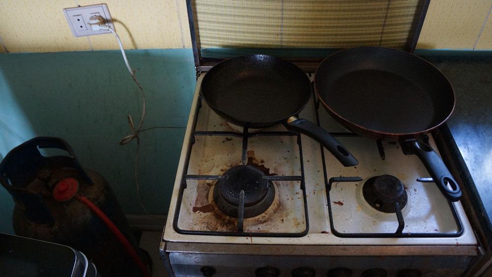У плиты не работала духовка, в апартаментах немного пахло газом
