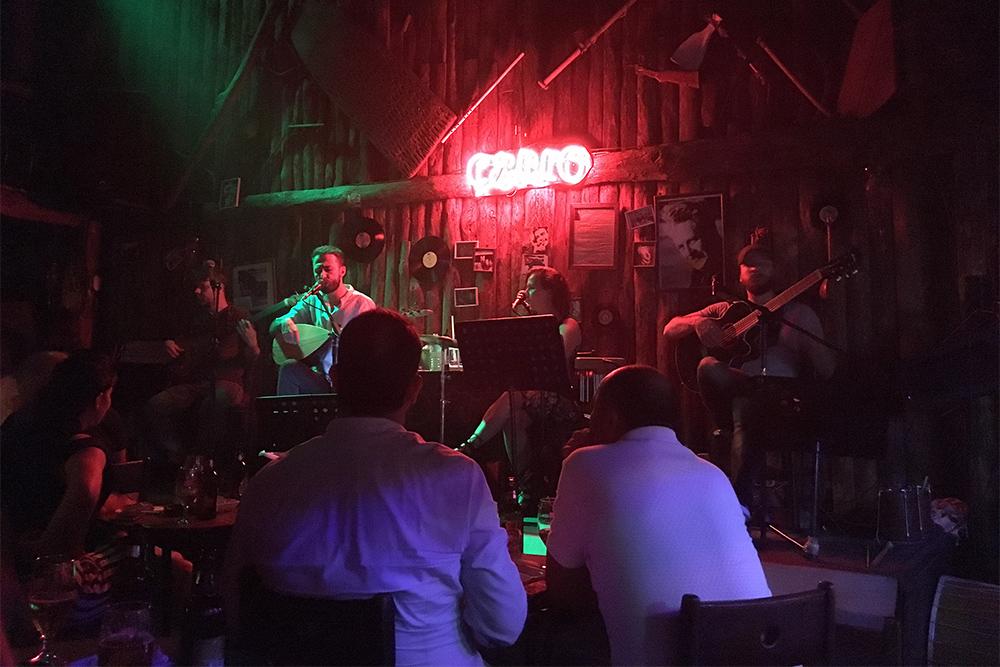 Çello Tirku Bar Alanya — место для знакомства с турецкой музыкой