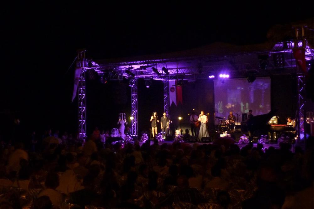 «Дни джаза» в Аланье собирают музыкантов со всего мира. Турецкий джаз звучит очень необычно иприятно