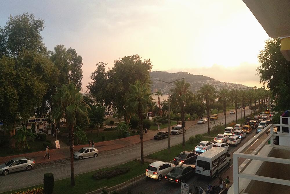 Вид из отеля, расположенного на пляже Кейкубат