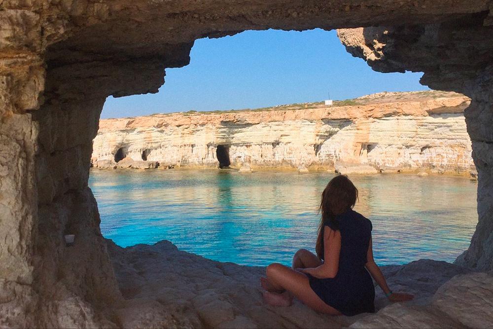 Экскурсоводы рассказывают, что пираты прятали в пещерах клады. Правда это или очередная байка для туристов — большой вопрос