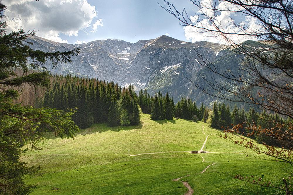 По мнению путешественников на форумах, самый популярный трекинговый маршрут в Татрах — «Путь орла». Но для него нужна хорошая подготовка