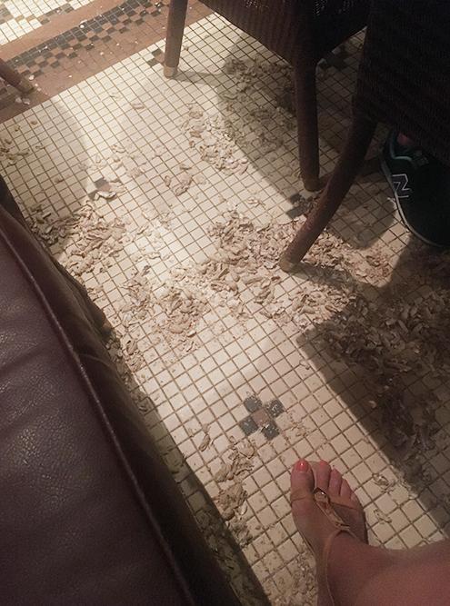 Если любите чистоту, лучше не заглядывайте в «Раффлз»