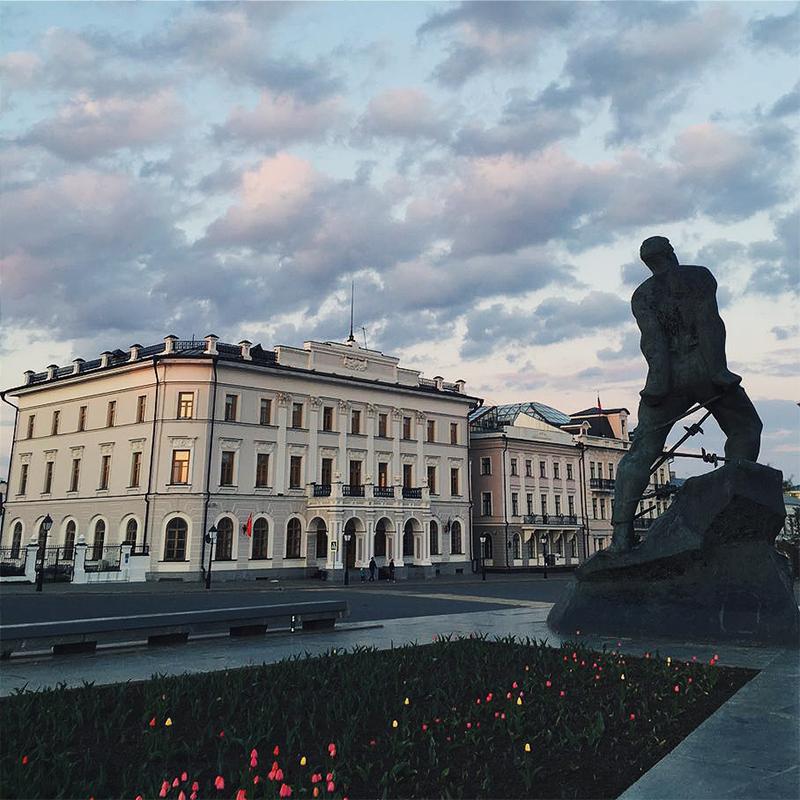 Рядом с кремлем расположен Национальный музей Республики Татарстан
