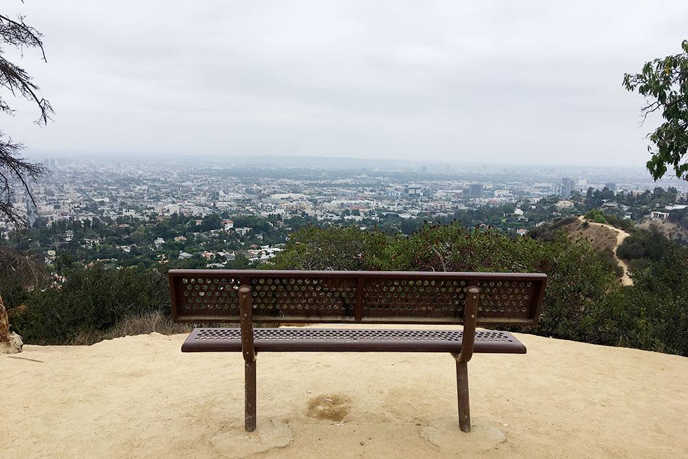 Виды, которые открываются сголливудских холмов. Можно сидеть днями напролет, иненадоест