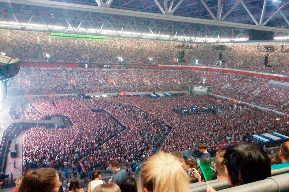 «Меркур Шпиль-Арена» в ожидании выступления Def Leppard и Bon Jovi. Июль 2019 года, Дюссельдорф