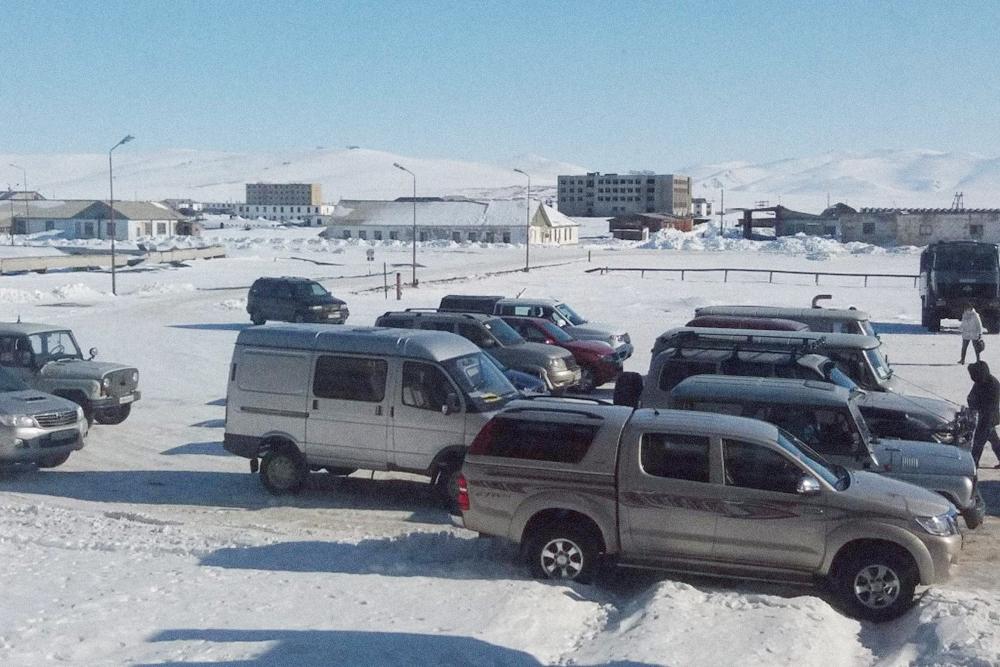 Стоянка перед аэропортом