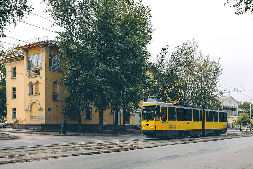 Новый трамвай на улице Мира
