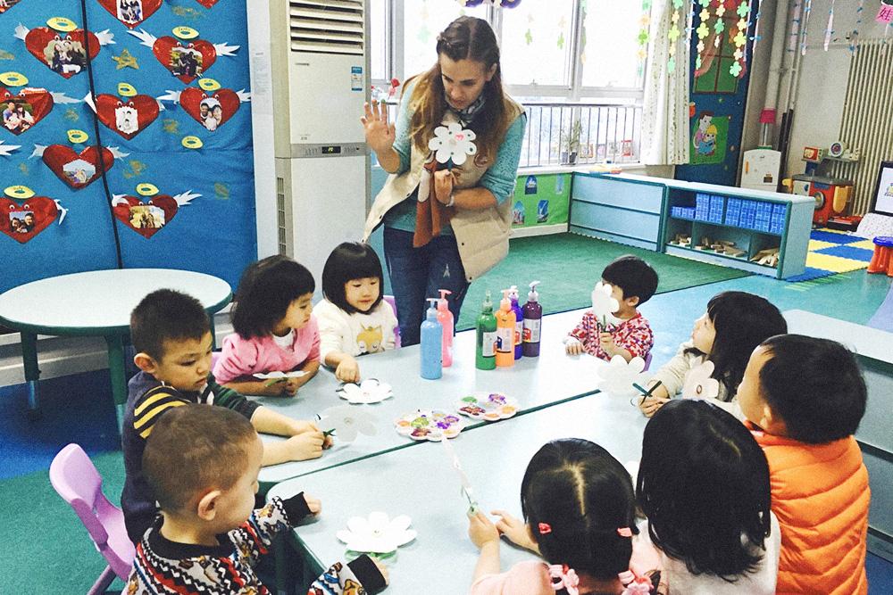Первый вопрос, который мне задавали о китайцах: различаю ли я лица детей в детском саду. На мой взгляд, они все не похожи, а когда проводишь с ними каждый день — становятся милыми и любимыми