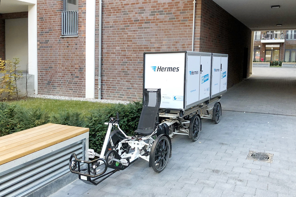 В Берлине все помешаны на электротранспорте. Даже службы доставки начали пересаживать курьеров на электровелосипеды