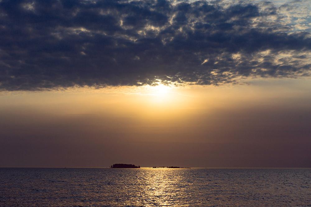 Закат на Обском море. Фото: Елена Симакова