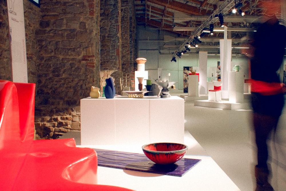 Несколько сохранившихся фото с выставки в Милане