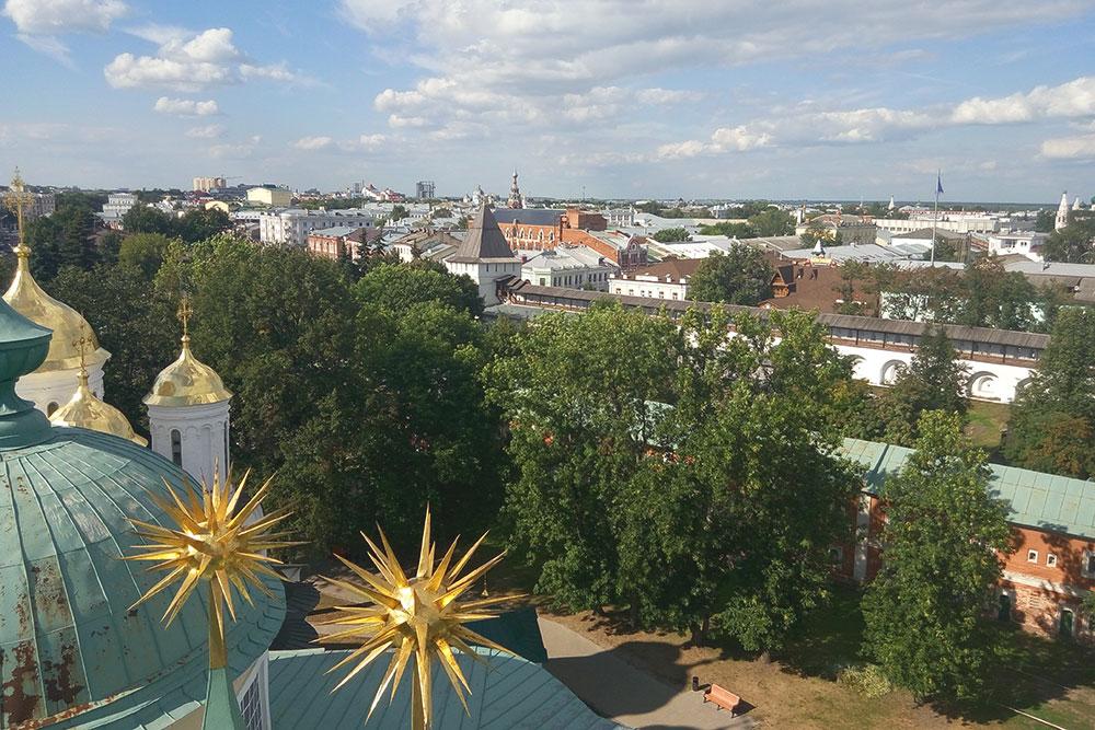 Вид на историческую часть города со звонницы Спасо-Преображенского монастыря