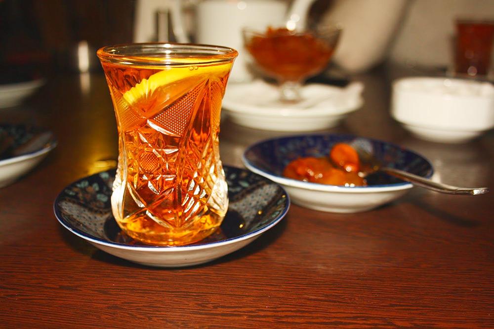 Грушевидный стакан армуду́