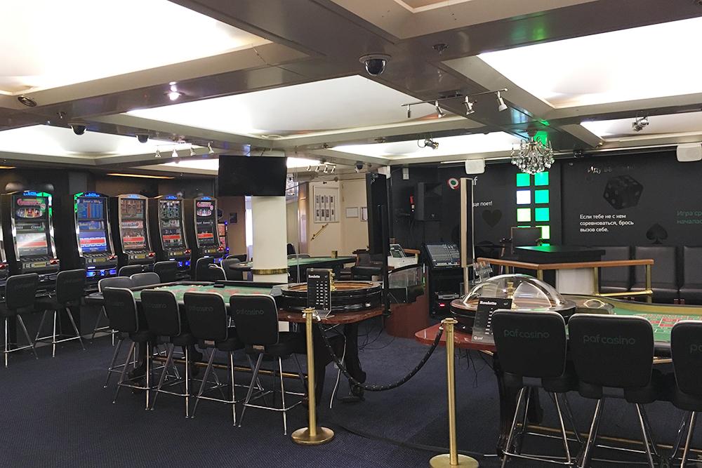 В мини-казино проводят мастер-классы для тех, кто пока не умеет просаживать деньги в рулетку