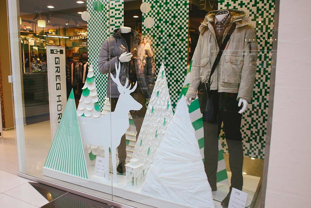 Новогоднее оформление витрины магазина «Грег-Хорман»