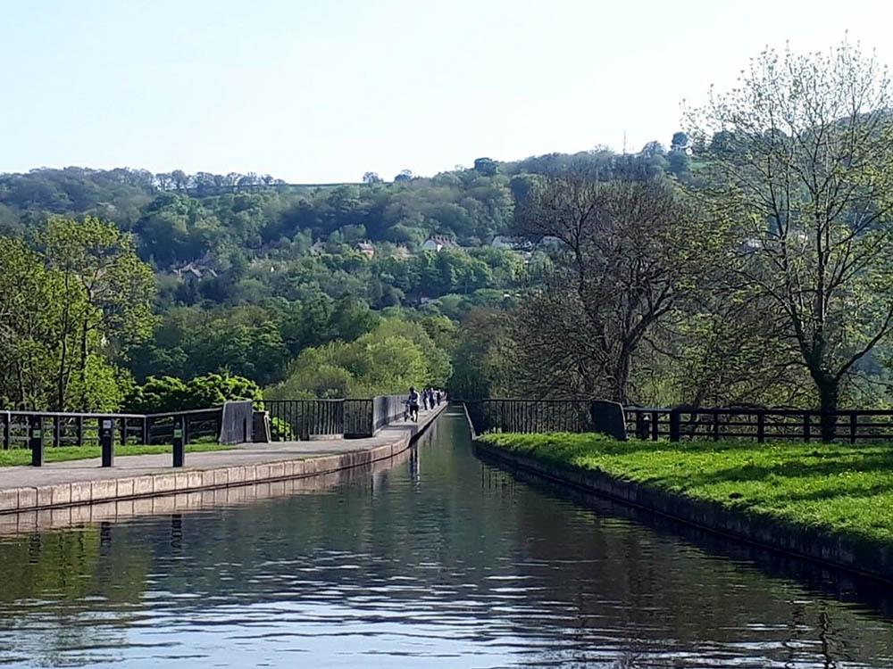 Прямо рядом с гостиницей на северо-востоке Уэльса находится акведук Понткисиллте — самый длинный и высокий акведук в Великобритании