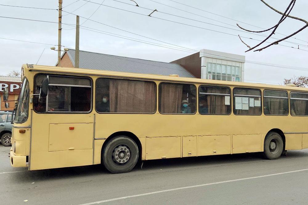 В Таганроге все еще можно встретить автобусыМАН, которые работают на линии с девяностых годов