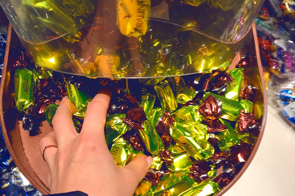 Фисташковые конфеты «Калев» я дважды пыталась привезти как сувенир, но не могла удержаться и съедала сама