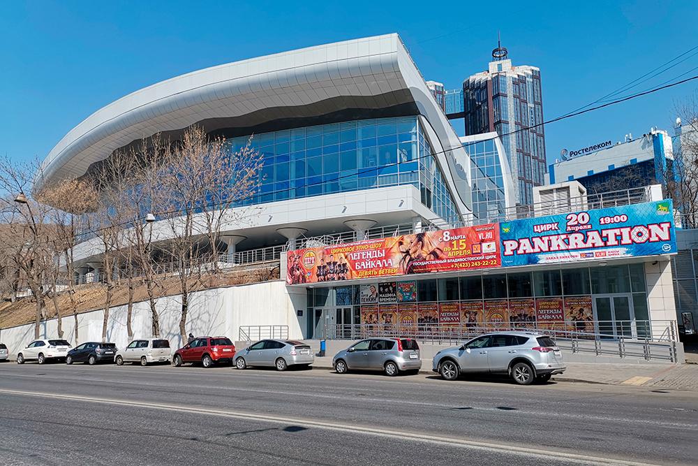 Обновленный цирк. Кроме артистов цирка, здесь выступают еще и известные исполнители. Хорошо, что в городе появилась еще одна современная концертная площадка. Фото: Shutterstock