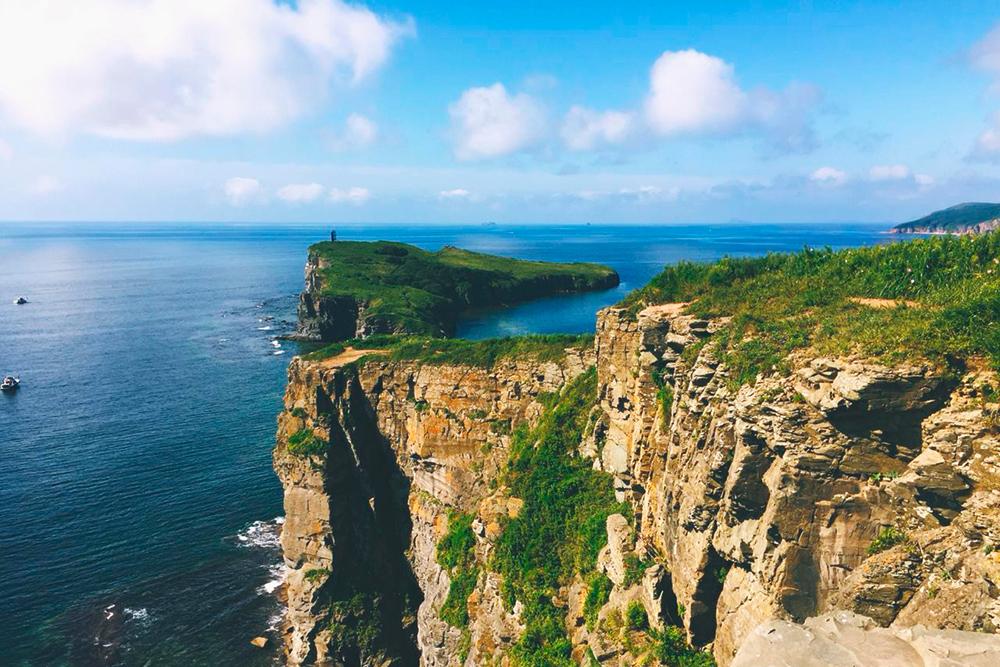 Мыс Тобизина на Русском острове, сюда можно приехать на прогулку в выходные. Фото: Дарья Карюхина
