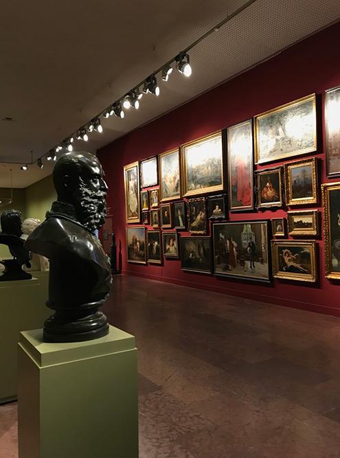 В Венгерской национальной галерее есть постоянные экспозиции заметных венгерских художников и скульпторов