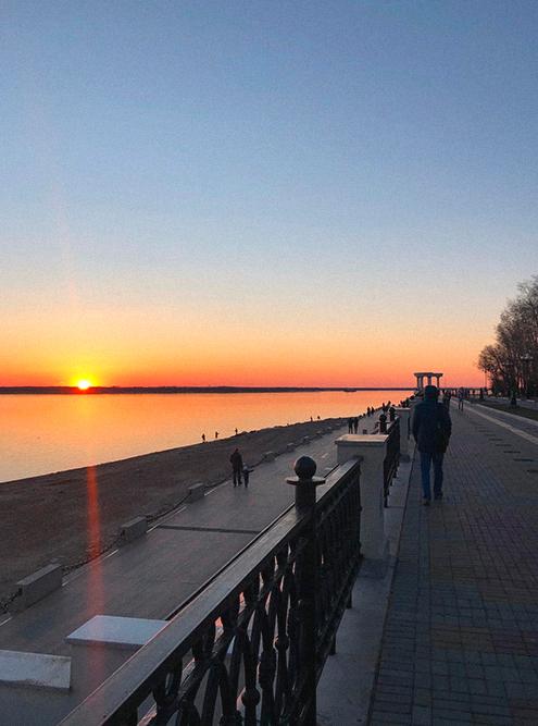 Зато в Хабаровске всегда красивые закаты, успеваем заснять