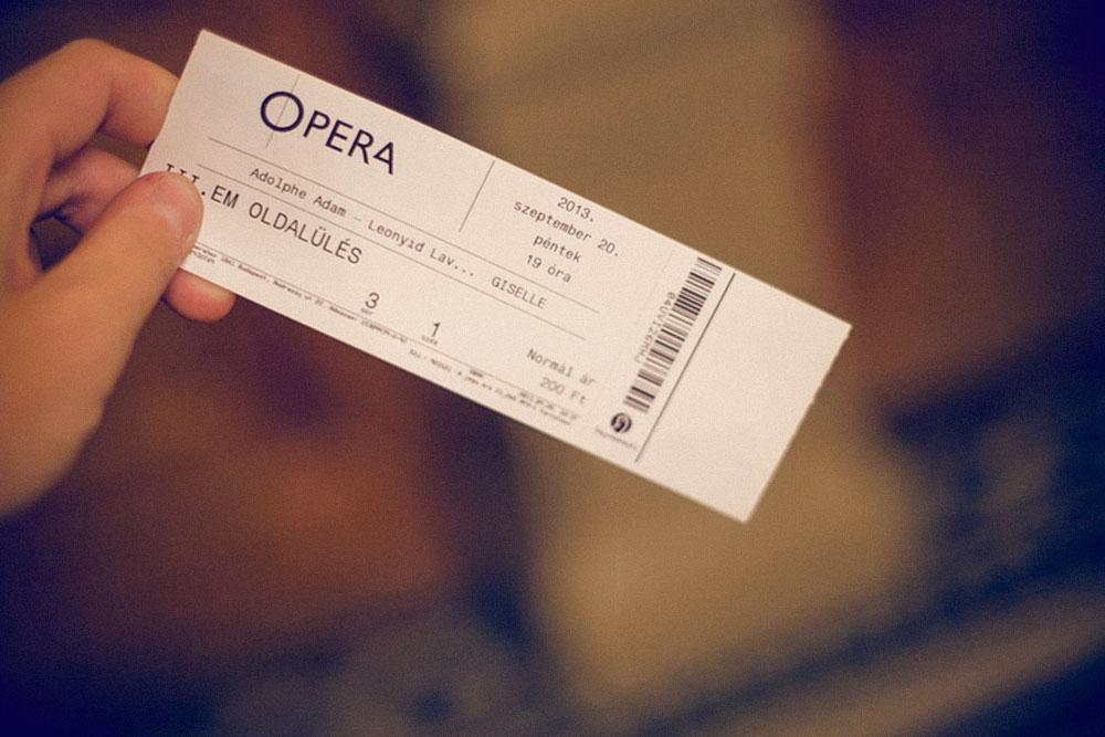 Билеты на «Жизель» в Будапеште за 200форинтов, или 46 рублей. Я купила такой билет только благодаря своему хосту с «Каучсерфинга»