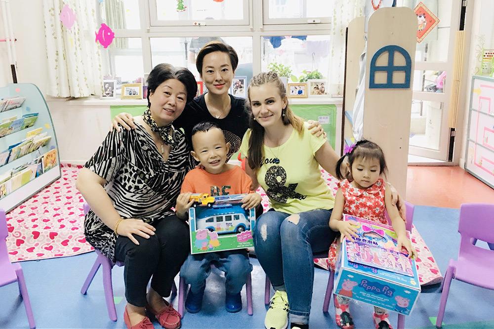 В группе два китайских учителя, один иностранный и нянечка. Родители платят за сад 1000$ в месяц