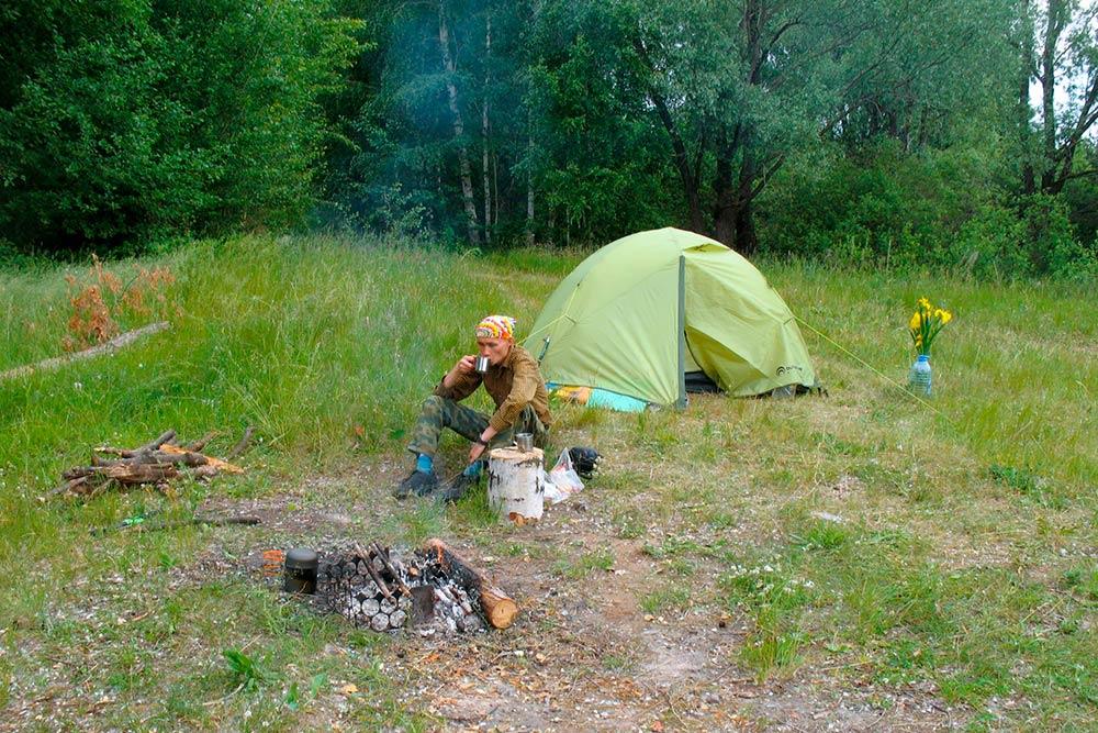В нашей палатке было комфортно ивжару, ивпасмурную погоду