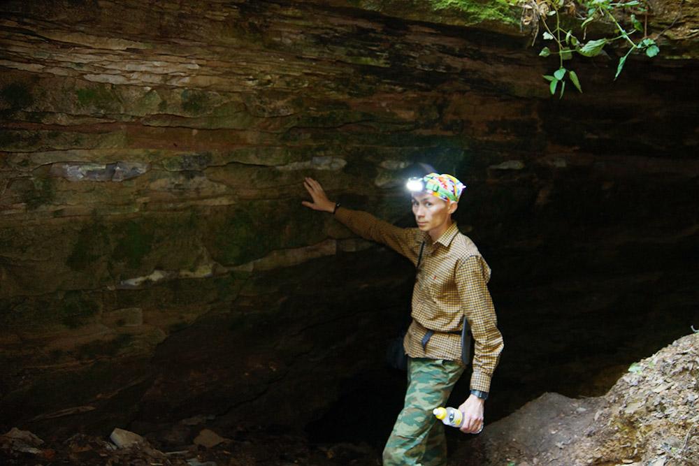 Вход в Юрьевскую пещеру, которая нас невпечатлила