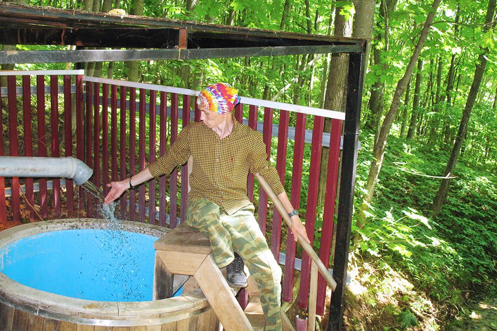 По пути мы попробовали воду изЕлизаветинского родника иполюбовались накупель