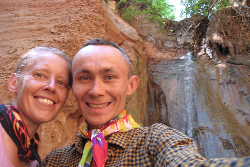 Мы не пожалели, что 20минут искали вовраге этот водопад