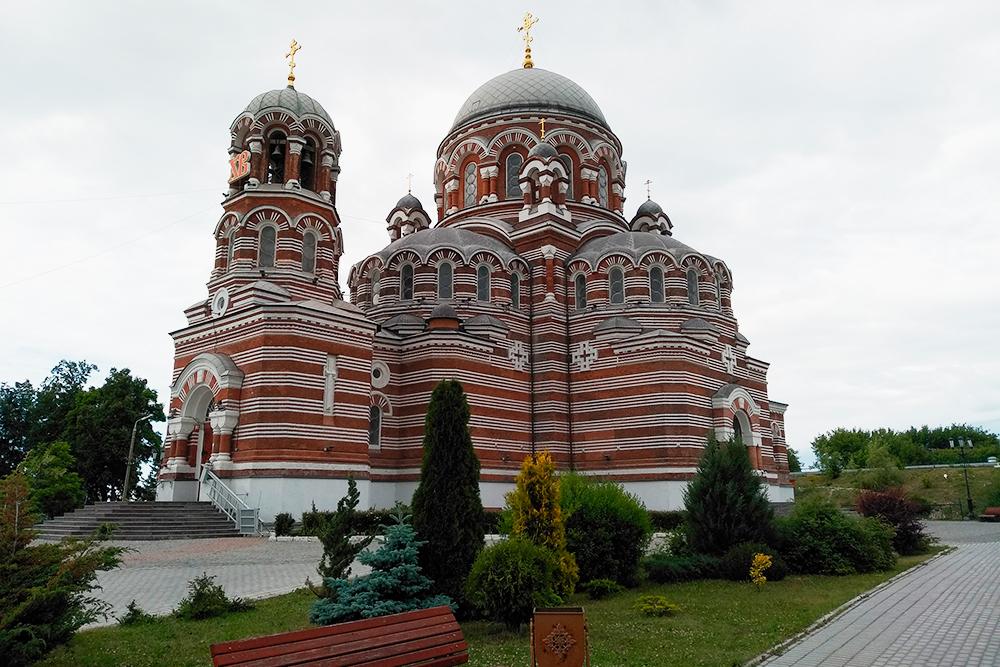 Церковь Троицы Живоначальной — на мой взгляд, самый красивый храм в Коломне