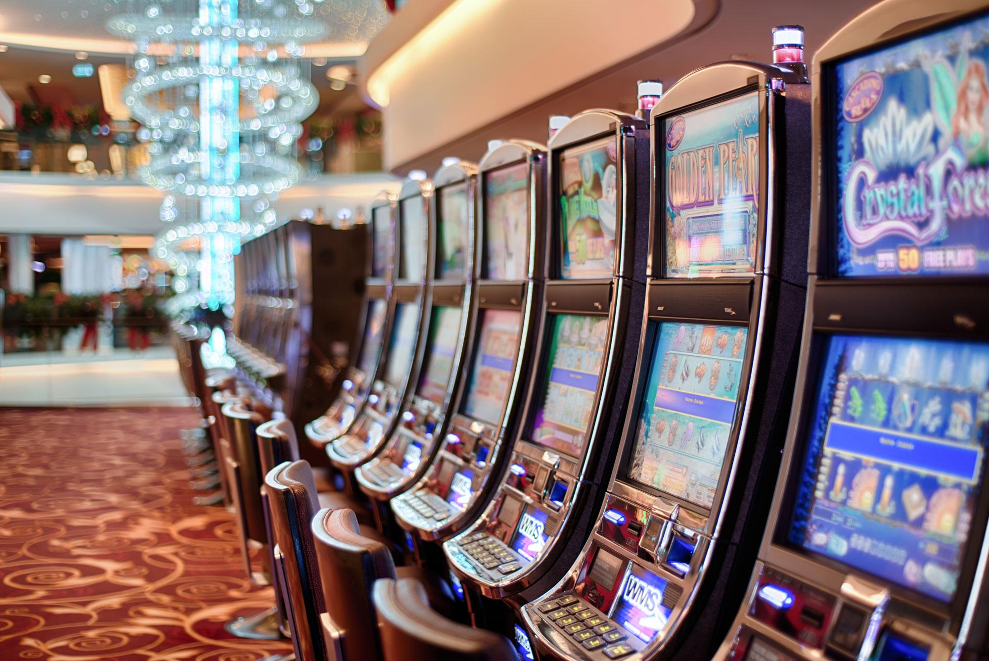 Апрайты — автоматы с вертикальной посадкой. Автор фото Ed Gregory, {pexels.com}(https://www.pexels.com/photo/addiction-bet-betting-casino-5258/)